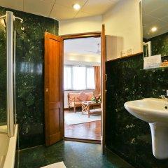 Отель Summit Hotel Непал, Лалитпур - отзывы, цены и фото номеров - забронировать отель Summit Hotel онлайн ванная