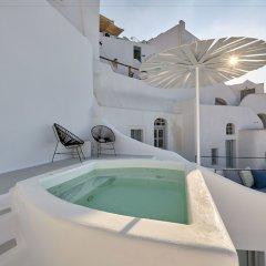 Отель Cave Suite Oia Греция, Остров Санторини - отзывы, цены и фото номеров - забронировать отель Cave Suite Oia онлайн бассейн фото 3