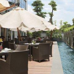 Отель The Ritz Carlton Guangzhou Гуанчжоу бассейн