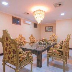 Отель Royal Airstrip Hotel Мьянма, Хехо - отзывы, цены и фото номеров - забронировать отель Royal Airstrip Hotel онлайн интерьер отеля