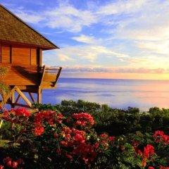 Отель Tiahura Dream Lodge Французская Полинезия, Муреа - отзывы, цены и фото номеров - забронировать отель Tiahura Dream Lodge онлайн пляж