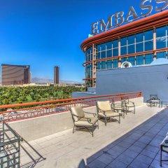 Отель Embassy Suites by Hilton Convention Center Las Vegas балкон