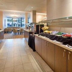 Отель Holiday Inn Vancouver Centre Канада, Ванкувер - отзывы, цены и фото номеров - забронировать отель Holiday Inn Vancouver Centre онлайн питание