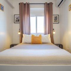 Отель Lisbon Backpackers Guesthouse сейф в номере