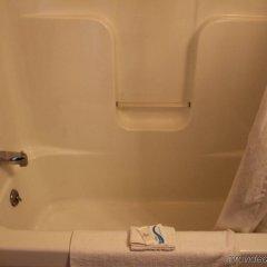 Отель Budget Host Inn Niagara Falls США, Ниагара-Фолс - отзывы, цены и фото номеров - забронировать отель Budget Host Inn Niagara Falls онлайн ванная