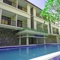 Отель Grand Barong Resort бассейн