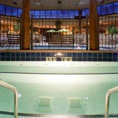 Отель Holiday Inn Bloomington Airport South Mall Area Блумингтон бассейн фото 3