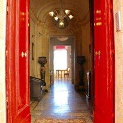 Отель Luciano Al Porto Boutique Accommodation Валетта интерьер отеля фото 3