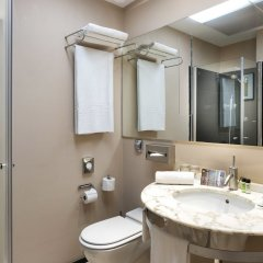 Отель Serhs Rivoli Rambla Барселона ванная фото 2