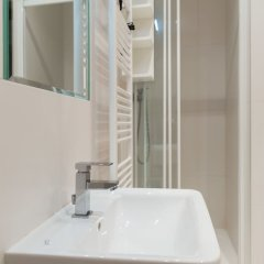 Апартаменты Apartment for 10 Guests Top Center of Prague ванная фото 2