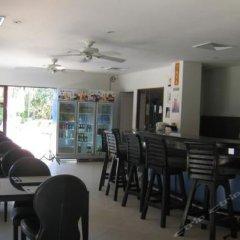 Апартаменты Baan Puri Apartments гостиничный бар
