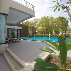 Отель Villa Ozone Pattaya бассейн
