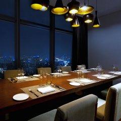Отель Sheraton Seoul D Cube City Hotel Южная Корея, Сеул - отзывы, цены и фото номеров - забронировать отель Sheraton Seoul D Cube City Hotel онлайн питание