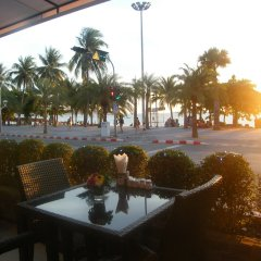 Отель The Beach Front Resort Pattaya фото 3
