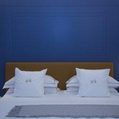 Отель GKK Exclusive Private Suites бассейн