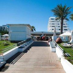 Отель Vrissiana Beach Hotel Кипр, Протарас - 1 отзыв об отеле, цены и фото номеров - забронировать отель Vrissiana Beach Hotel онлайн приотельная территория фото 2