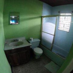 Porty Hostel Порт Антонио ванная