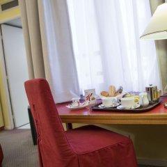 Отель Fertel Maillot Париж в номере