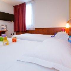 Brit Hotel Rennes St Grégoire - Le Villeneuve сейф в номере