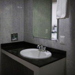 Отель Suites Bernini Гвадалахара ванная