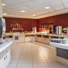 Отель Holiday Inn Express London Stansted питание фото 3
