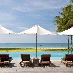 Отель Dusit Thani Krabi Beach Resort бассейн