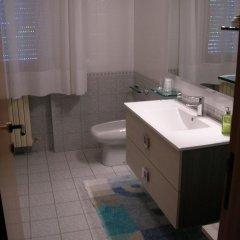 Отель Bed & Breakfast Gili Италия, Кастельфидардо - отзывы, цены и фото номеров - забронировать отель Bed & Breakfast Gili онлайн ванная фото 2
