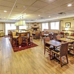 Отель Hampton Inn Columbus I-70E/Hamilton Road США, Колумбус - отзывы, цены и фото номеров - забронировать отель Hampton Inn Columbus I-70E/Hamilton Road онлайн питание фото 2