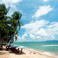 Отель Sea Breeze Jomtien Resort пляж
