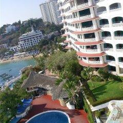 Отель Caleta Beach Resort Мексика, Акапулько - отзывы, цены и фото номеров - забронировать отель Caleta Beach Resort онлайн бассейн фото 3