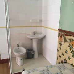 Отель Residencia Oliveira Португалия, Лиссабон - отзывы, цены и фото номеров - забронировать отель Residencia Oliveira онлайн ванная