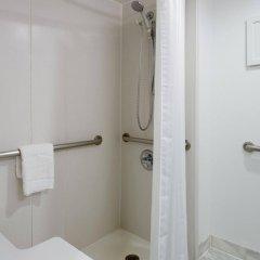 Отель Hampton Inn Manhattan Chelsea США, Нью-Йорк - отзывы, цены и фото номеров - забронировать отель Hampton Inn Manhattan Chelsea онлайн ванная фото 2