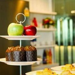 Отель Crystal Suites Suvarnabhumi Airport Бангкок спортивное сооружение