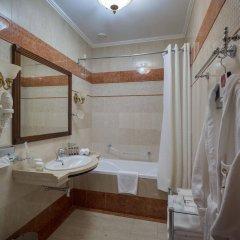 Гостиница Бристоль Украина, Одесса - 6 отзывов об отеле, цены и фото номеров - забронировать гостиницу Бристоль онлайн ванная