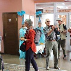 Отель Tagaitai Guest House Кыргызстан, Каракол - отзывы, цены и фото номеров - забронировать отель Tagaitai Guest House онлайн спортивное сооружение