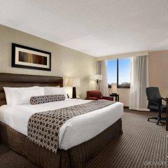 Crowne Plaza Hotel Columbus North Колумбус комната для гостей фото 2