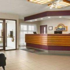 Отель Days Inn by Wyndham Trois-Rivieres интерьер отеля фото 3