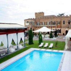 Отель Castello Di Mornico Losana Морнико-Лозана бассейн фото 2