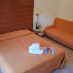 Hotel Villa Del Parco Римини комната для гостей фото 2