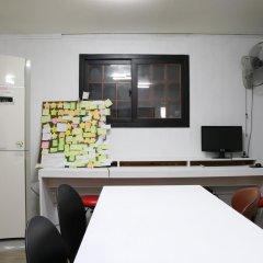 Отель Moons Hostel Южная Корея, Сеул - 2 отзыва об отеле, цены и фото номеров - забронировать отель Moons Hostel онлайн комната для гостей