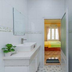 Отель Megi Homestay Нячанг ванная