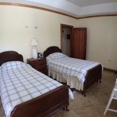Отель Summerhill, 8BR by Jamaican Treasures Ямайка, Монтего-Бей - отзывы, цены и фото номеров - забронировать отель Summerhill, 8BR by Jamaican Treasures онлайн сейф в номере