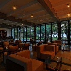 Отель Temple Tree Resort & Spa Шри-Ланка, Индурува - отзывы, цены и фото номеров - забронировать отель Temple Tree Resort & Spa онлайн гостиничный бар