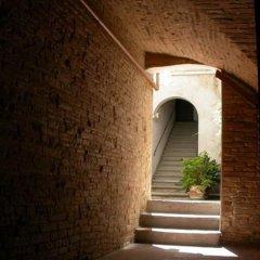 Отель Fabio Apartments Италия, Сан-Джиминьяно - отзывы, цены и фото номеров - забронировать отель Fabio Apartments онлайн парковка