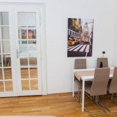 Апартаменты Welcome Apartment on Rybna комната для гостей фото 4