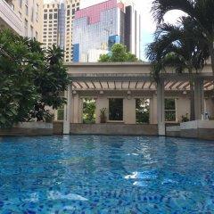 Отель Twin Peaks Sukhumvit Suites Бангкок бассейн фото 2