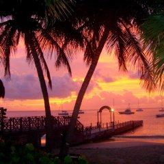 Tamarind Beach Hotel & Yacht Club пляж фото 2