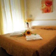 Отель Brenta Италия, Римини - 1 отзыв об отеле, цены и фото номеров - забронировать отель Brenta онлайн комната для гостей фото 2