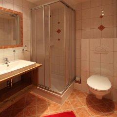Отель GB Gondelblick Австрия, Хохгургль - отзывы, цены и фото номеров - забронировать отель GB Gondelblick онлайн ванная