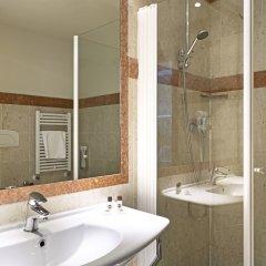 Отель B&B Hotel Padova Италия, Падуя - 1 отзыв об отеле, цены и фото номеров - забронировать отель B&B Hotel Padova онлайн ванная фото 2
